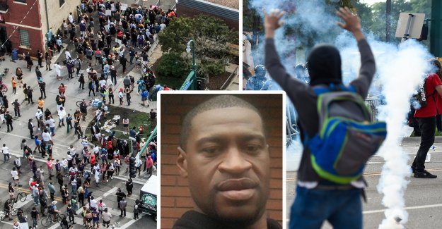Tear gas against protesters, after deadly police violence