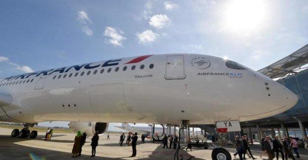 Air France is preparing a voluntary redundancy plan involving more than 8000 posts