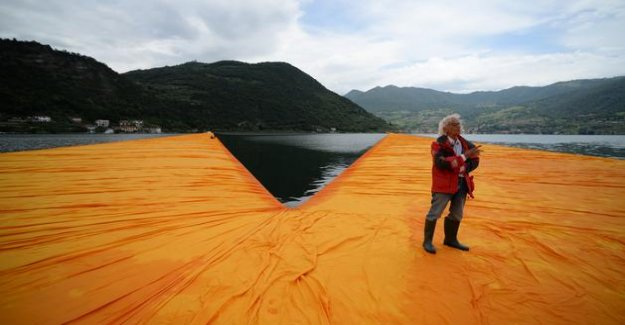 Christo : find out six of his works the most monumental