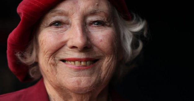 Death of the legendary british singer Vera Lynn, bride of the armed forces