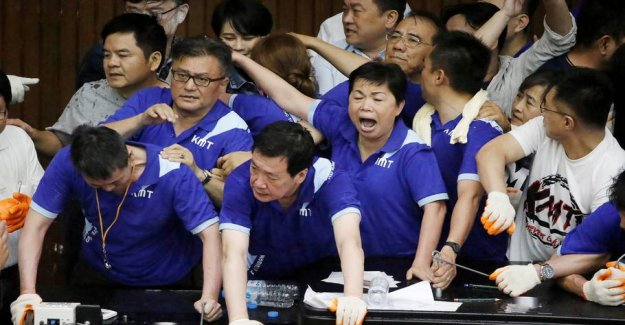Drama in parliament: Fight broke out