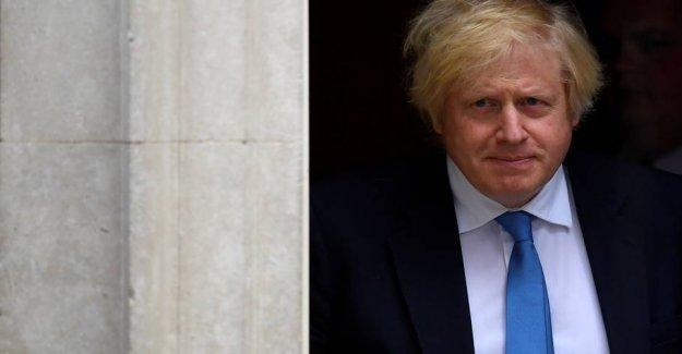 Dramatic performances: Boris Johnson in car accident