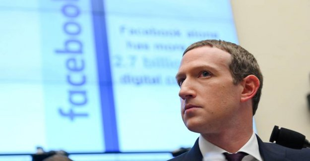 Employees lashing out at Facebook-the boss: He is wrong