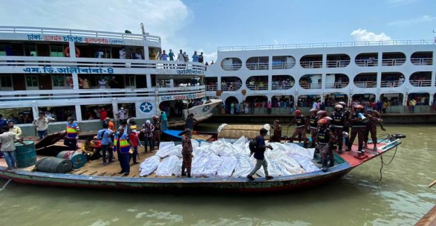 Ferry in fatal collision: at Least 30 killed