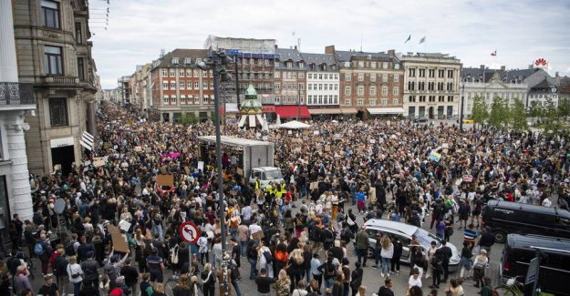 Four people to the demonstration in Copenhagen found infected with corona