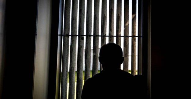 Police require smuglermistænkt psychologist put from the order