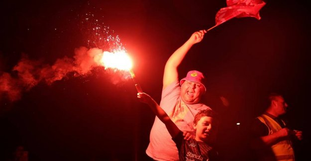 See the pictures: Liverpool fans celebrate the triumph