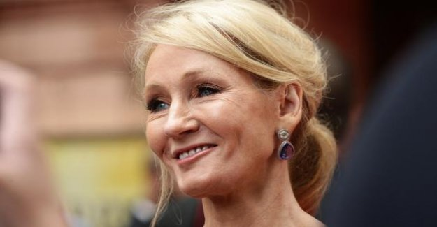 Several authors leave the agency of J. K. Rowling to protest against his statements on the trans