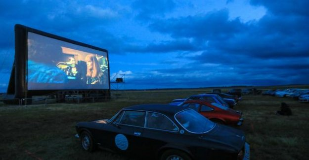 The Fifth Element landed in the middle of the fields of the Beauce region for a session drive-in