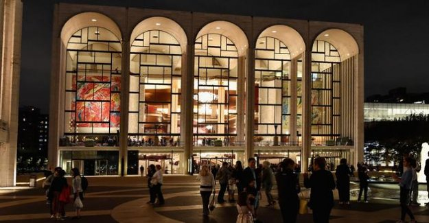 The New York Metropolitan Opera will resume only at the end of December 2020