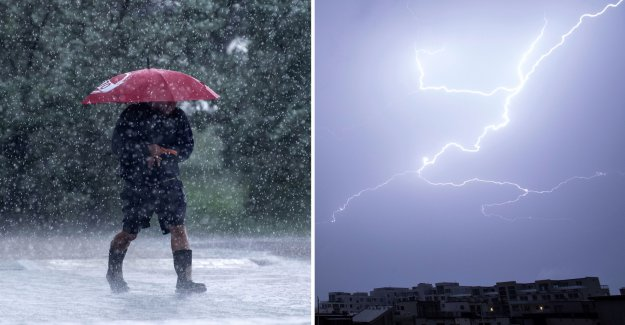 The alert: Heavy showers and lightning strikes at Sweden