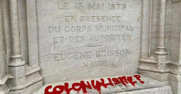 The mayor of Bourges is unworthy of the tag of the statue of Jacques Coeur