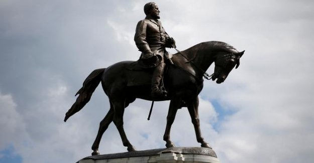The story is very political statues of confederate United States
