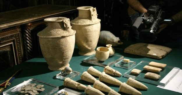 Trafficking of antiquities in the Middle East : five people in police custody to Paris