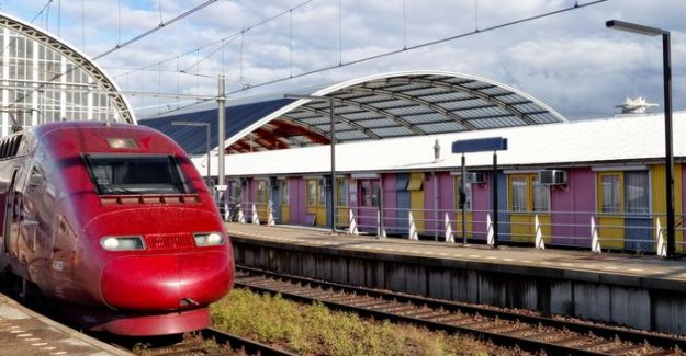 Travel by train : the TGV back to the borders sparingly