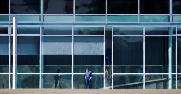 Bolsonaro test again positive for the coronavirus
