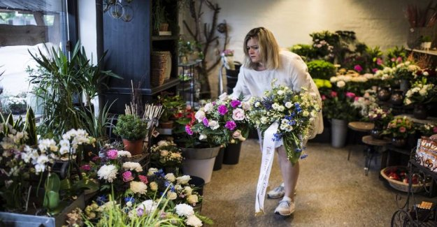 City in mourning: Farewell to mother and son
