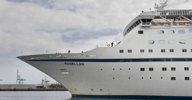 Industry styrtbløder: Cruise ship smoking for dismantling