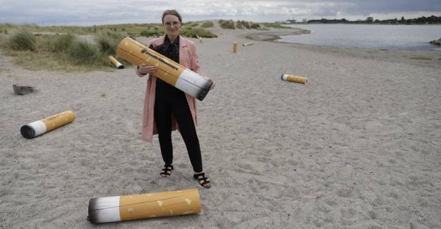 Minister for smokers: Nature is not your ashtray