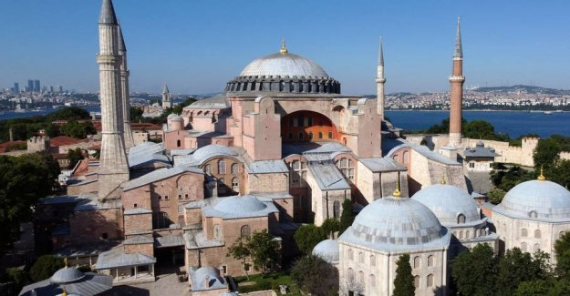The EU condemns the decision of the cathedral