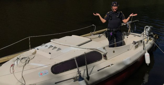 The police is the odd request: Who is the owner of the unknowns of the boat?