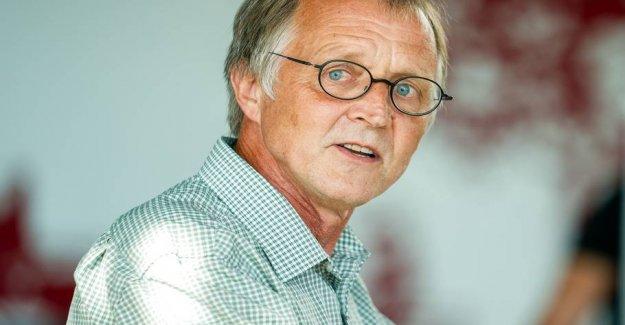 Anders Bondo stops as the chairman of the Danish Teachers ' association
