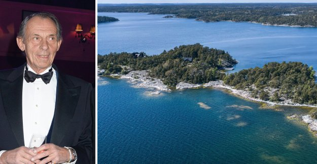 Baron Torgils Bonde, is selling the island after the Tax authority's decision