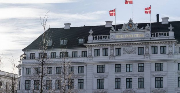 Coronaudbrud has halved the number of nights spent in Denmark