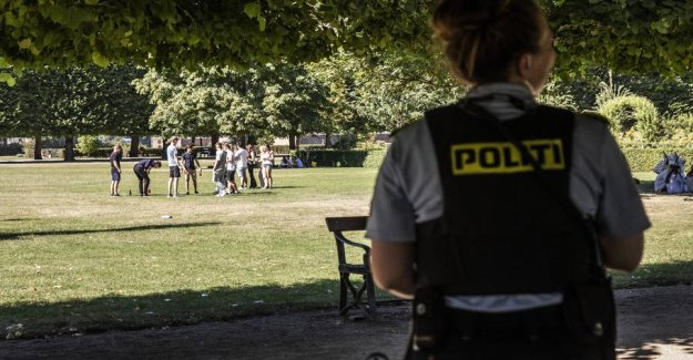 Denmark parties: Police across the country go out