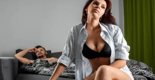 Four out of 10 men turn more to porn than sex