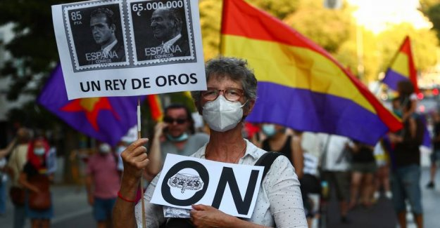 Spain's korruptionsanklagede ekskonge leave the country