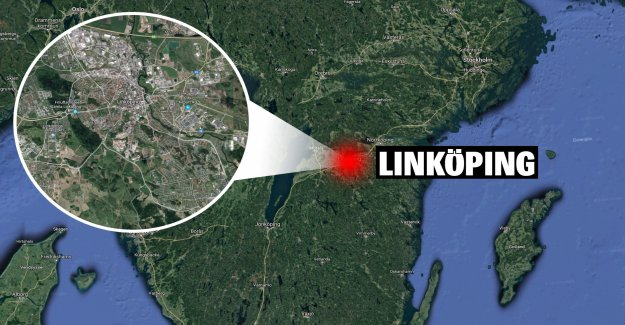 Three people to the hospital after a car accident outside of Linköping, sweden