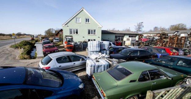 Udskældt scrap dealer gets control visit: to see decently out