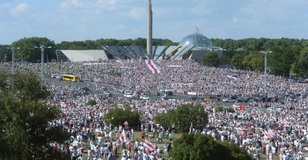 Wild photos: Largest demonstration in the Belarusian history