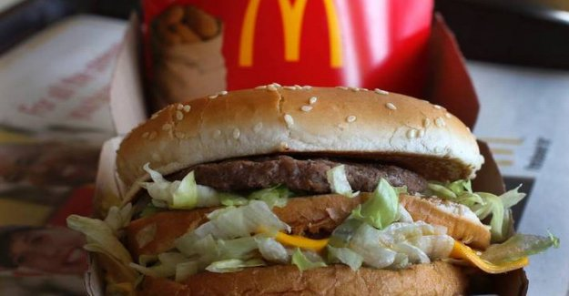 Mouse in Mcdonald's - and flies and dirt