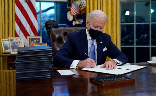 Biden opens deal-making window bid for new Motto: The Note
