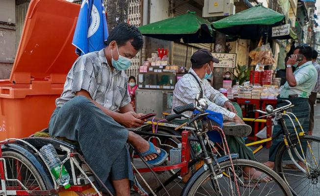 Resistance to coup Develops despite Myanmar's block of Facebook
