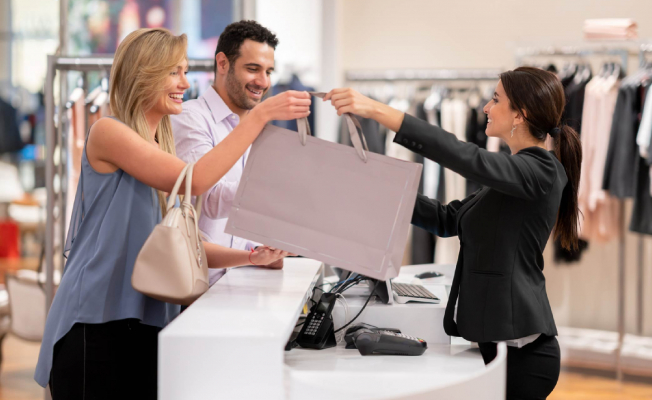 6 Ways to Offer More to Your Retail Customers