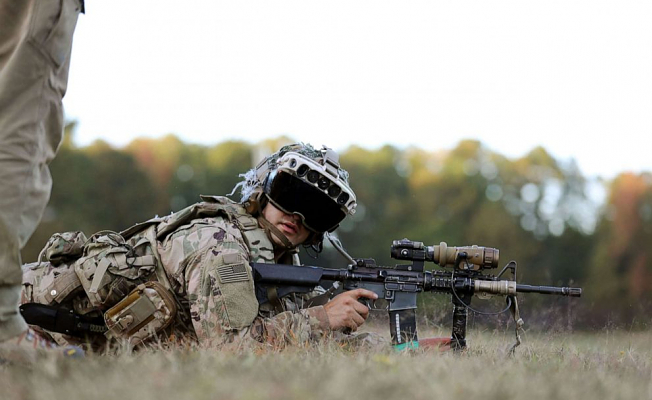 Army awards Microsoft $22 billion contract for futuristic goggles