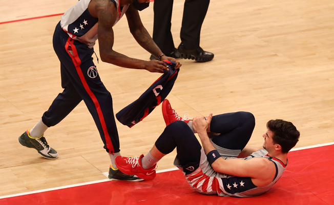 Source: Washington Wizards rookie Deni Avdija has hairline fracture in right ankle, ending season