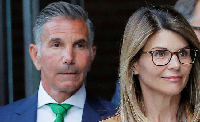 Judge grants Lori Loughlin, Mossimo Giannulli Consent for Mexico family vacation following prison releases