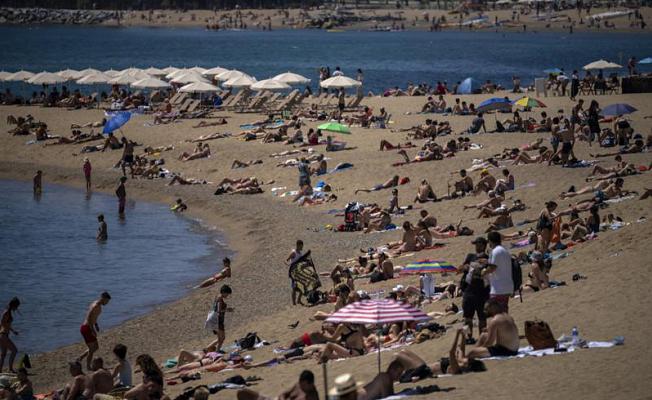 EU lawmakers OK virus pass, Fostering summer Journey Expects