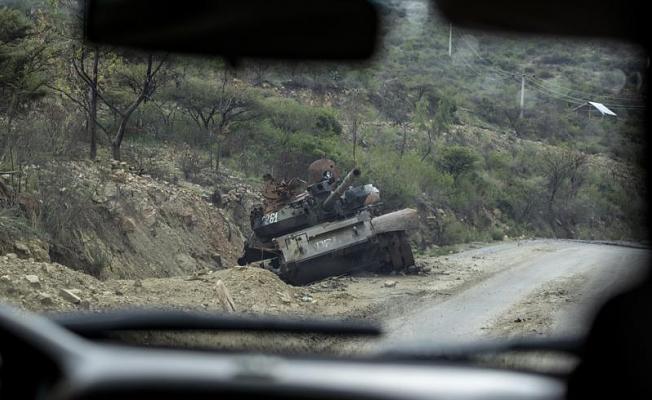 Tigray's Tigray: Eritrean forces leave key Tigray towns