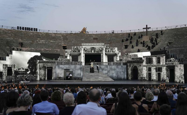 Verona's full operas resume with 3D video replacing huge sets