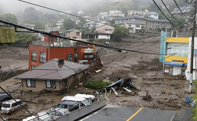 As a result of the mudslide westwards to Tokyo, at least 19 houses are missing
