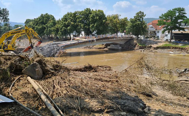 German flood-stricken towns speak out about the short lead times