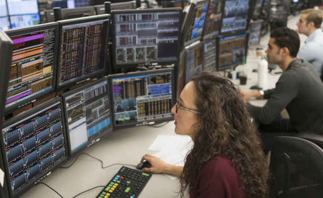How stock tracking can help you become a professional trader