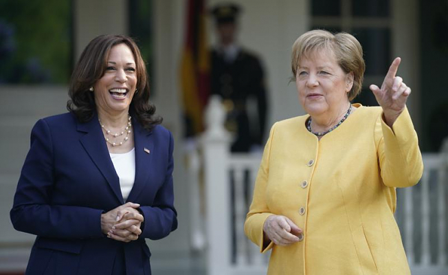 Merkel sends a message of stability to the US on Merkel's farewell trip