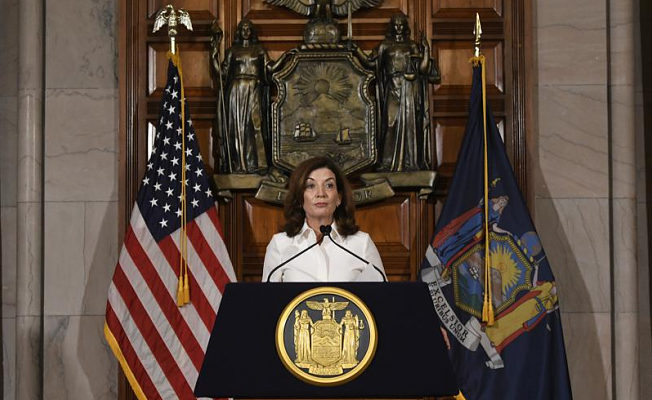 Hochul promises swift action when she assumes the helm in New York