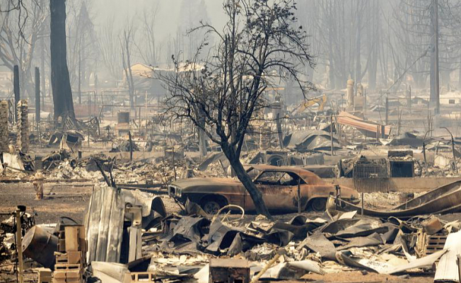 In a raging Northern California wildfire, a town is reduced to ashes